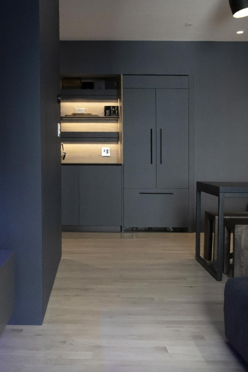 Consistent Colors Matching Walls and Cabinets